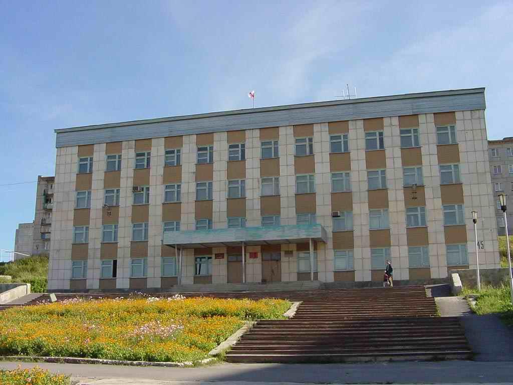 Памятник с семейный Катав-Ивановск Мемориальный комплекс с арками и колонной Анадырь